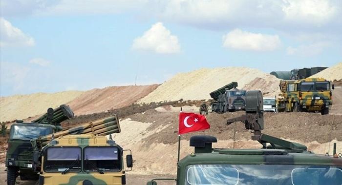 'Tirkiye hejmarek binkeyên xwe yên leşkerî ji Sûriyê vedikişîne'