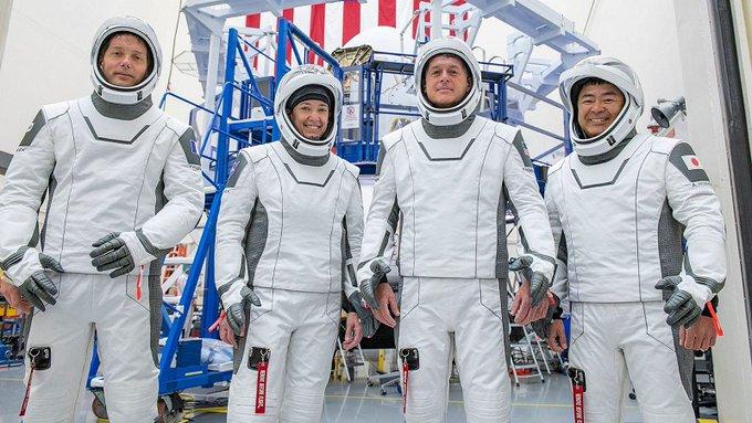 Astronotên bi SpaceXê çûbûn fezayê piştî 6 mehan vegeriyan ser rûyê dinyayê