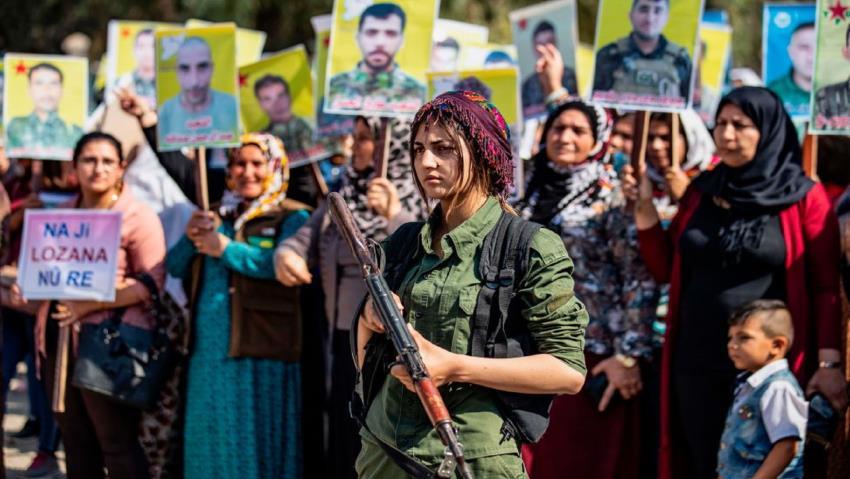 Rojavalı gençlerden 'Dünya Kürtlere neden borçlu?' videosu