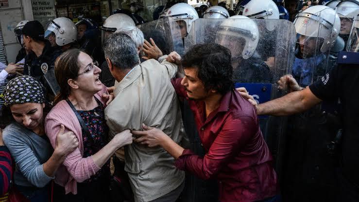 FT: Baskı çoğaldıkça Kürtlerde korku ve umutsuzluk artıyor!