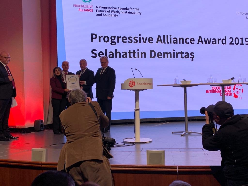 Avrupa'dan Selahattin Demirtaş'a 'Siyasi Cesaret Ödülü'