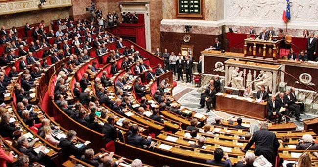 Fransa Meclis: Müttefikimiz Kürtleri bombalıyor...