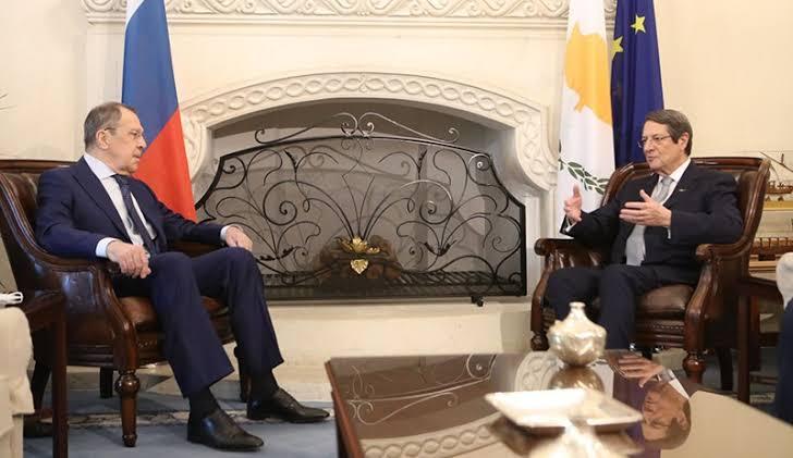 Sergey Lavrov Kıbrıs'ta: Hazırız!