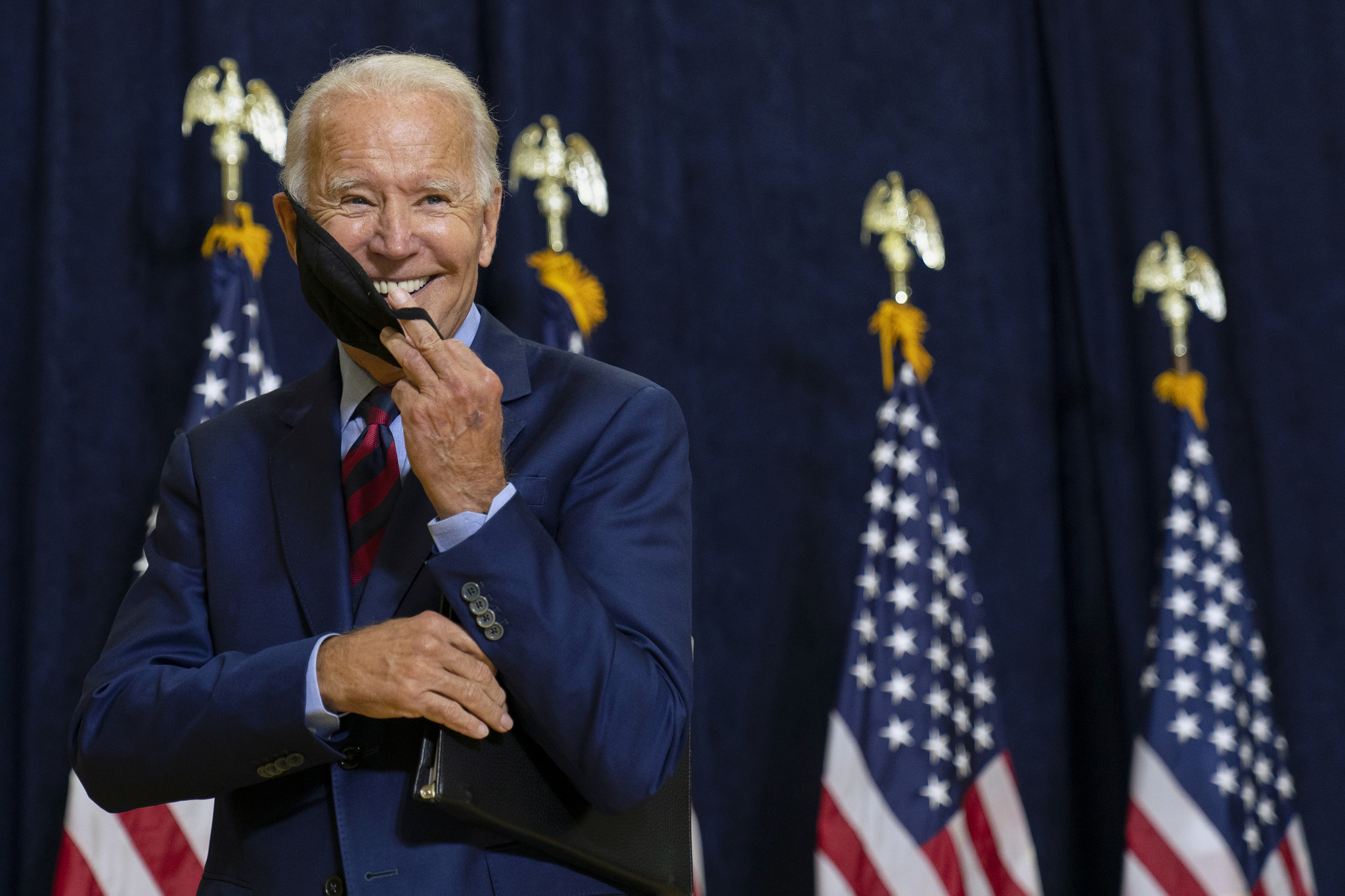FT: Biden'in seçileceği beklentisi TL ve rubleyi vuruyor