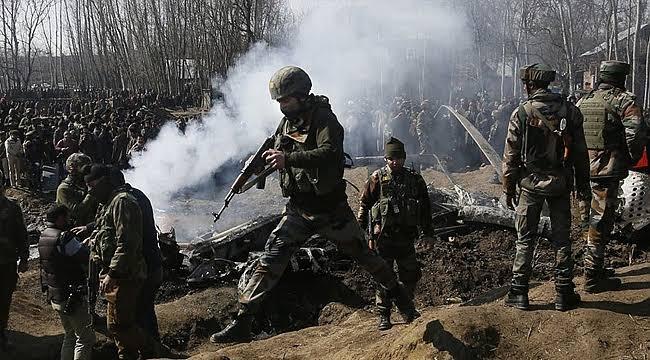 Pakistan ve Hindistan arasında çatışma: Ölen askerler var!