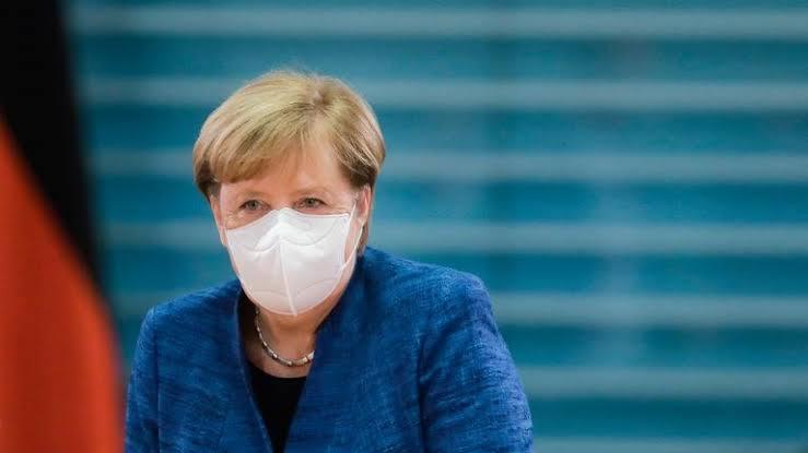 Angela Merkel: Tünelin sonunda ışık görüyoruz