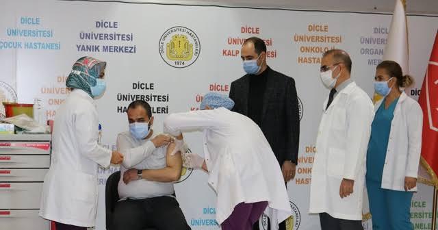 Çin'in Kovid-19 aşısı Diyarbakır'da gönüllülere uygulanıyor