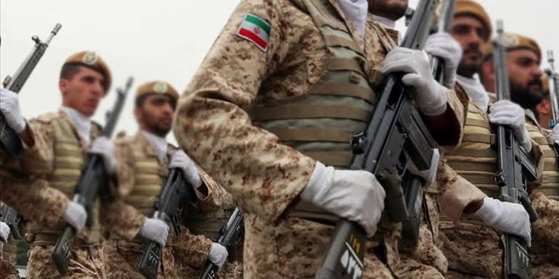 İran sınıra asker konuşlandırdı
