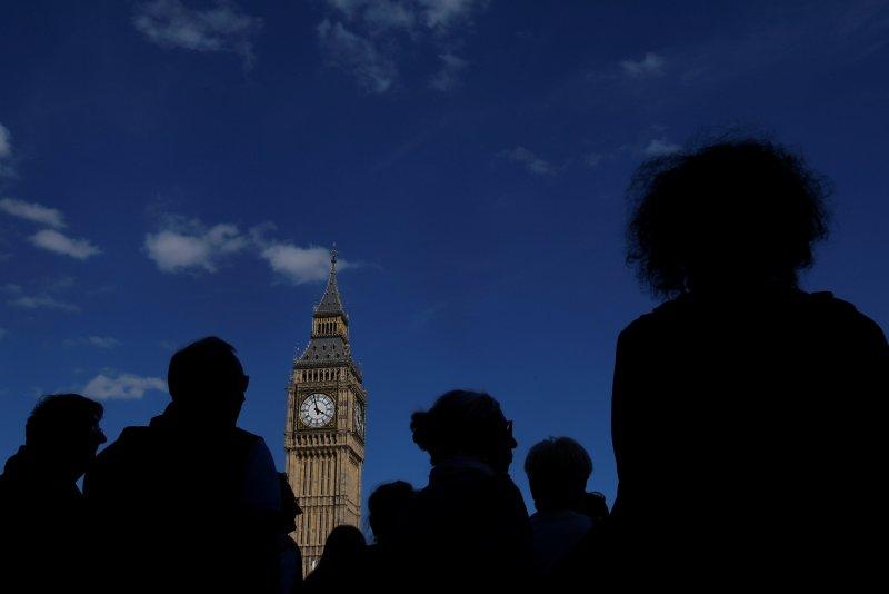 İngiltere Big Ben çanıyla, AB'den resmen ayrıldığını duyurdu
