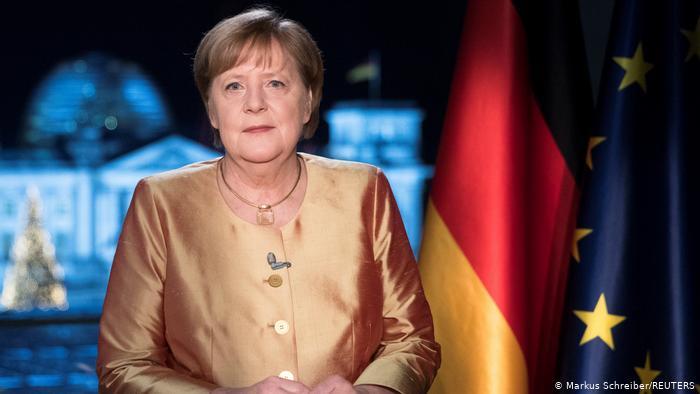 Merkel: Seçime yeniden aday olmayacağım!