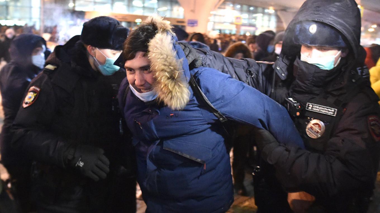 Rusya'da Navalny için ülke çapında protesto gösterileri düzenlendi!