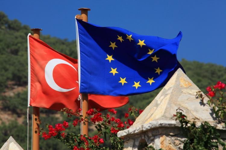 AB, Türkiye'ye yaptırım gündemiyle toplandı