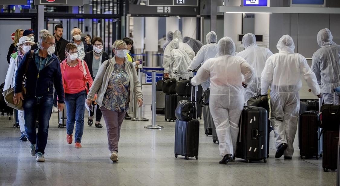 Almanya'dan beş ülkeden gelen kişilere giriş yasağı!