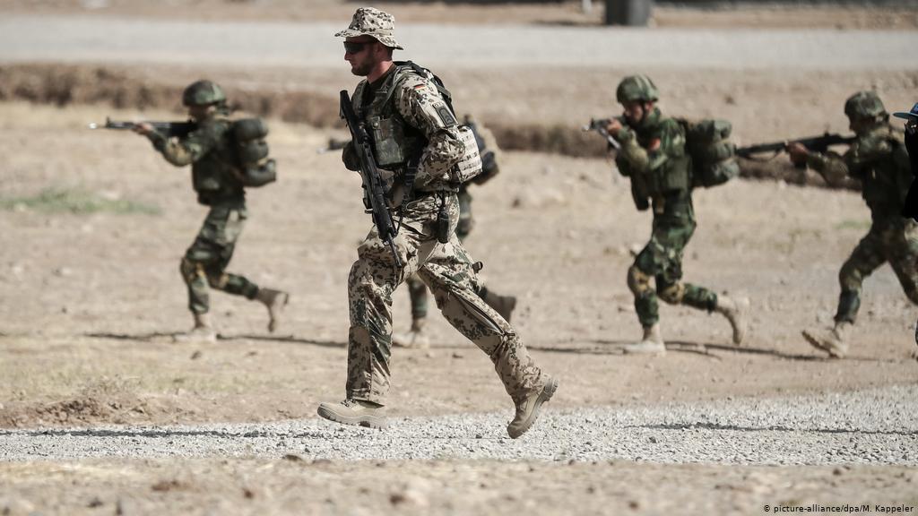 NATO: Irak'ta kesinlikle ABD'nin rolünü almayacağız!
