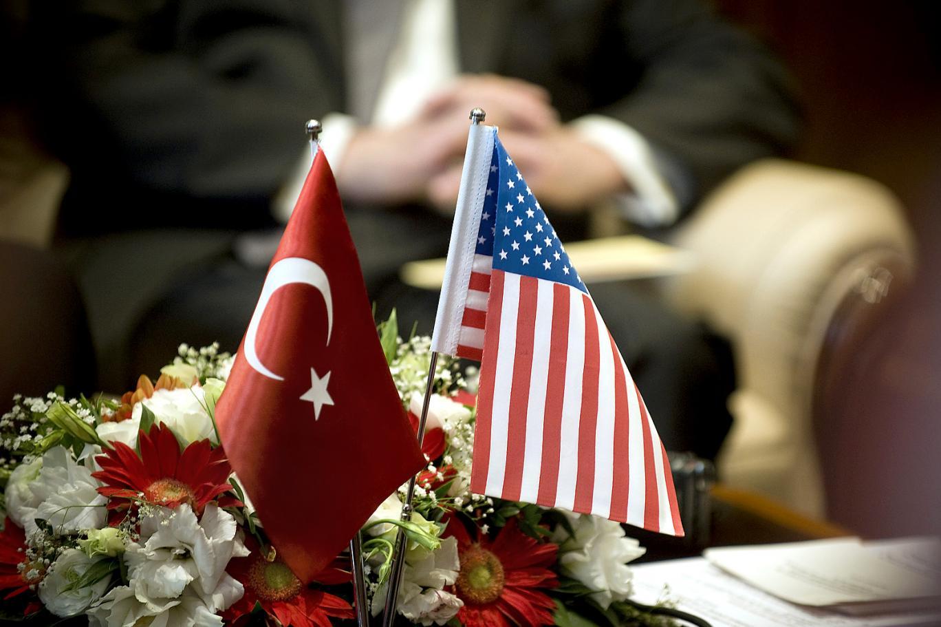 """""""Türkiye'nin her fırsatta ABD'yi yerden yere vurması ilişkileri zorluyor"""""""