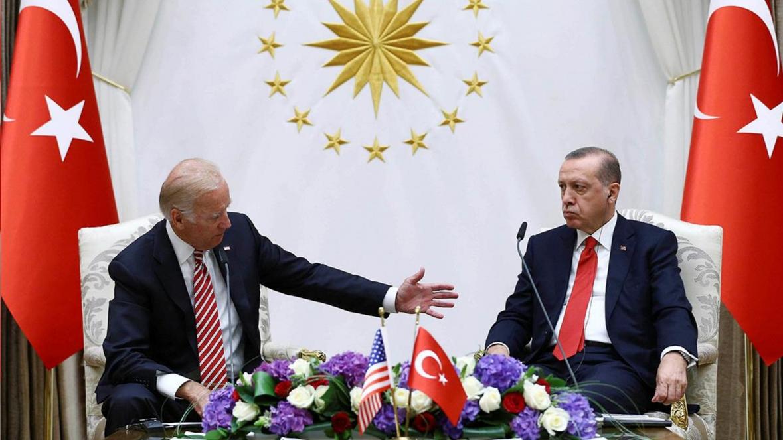 """""""Artık Türkiye-ABD ittifakının temelleri yok, ABD kendisini kandırıyor!"""""""