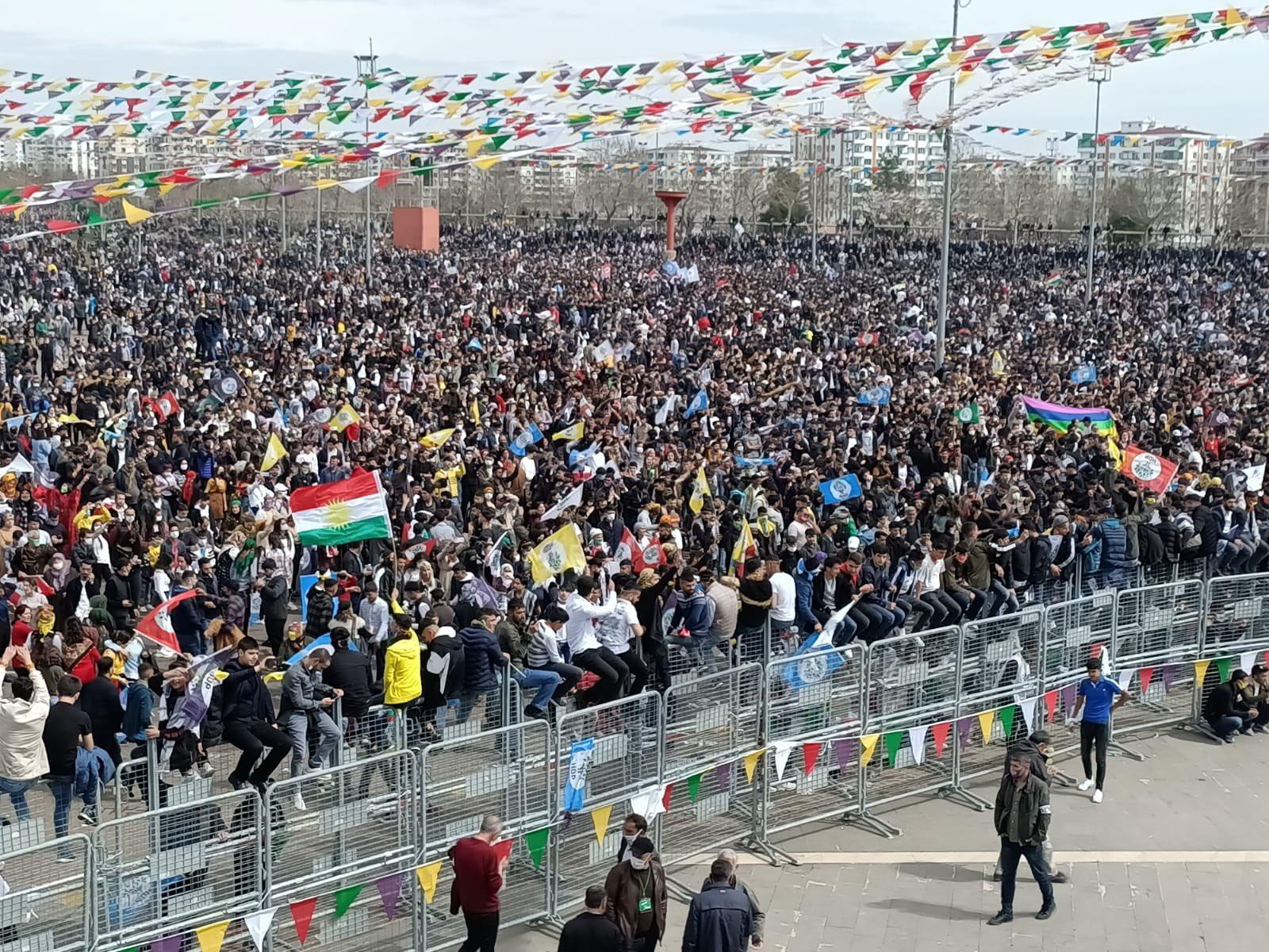 Diyarbakır'da Newroz kutlaması başladı