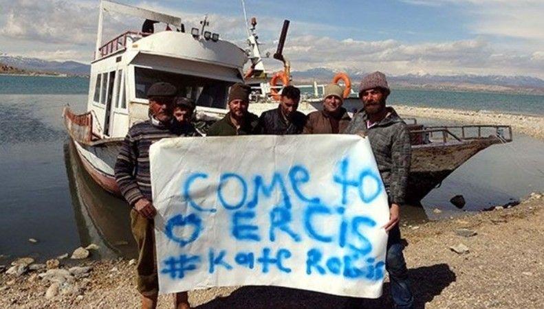 Ercişli balıkçılardan Astronot Kate Rubins'e pankartlı davet