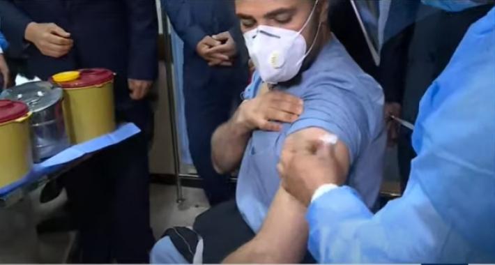 Erbil'de ilk Kovid-19 aşısı sağlık çalışanlarına yapıldı!
