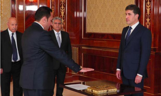 Erbil'in yeni valisi, yemin ederek görevine başladı