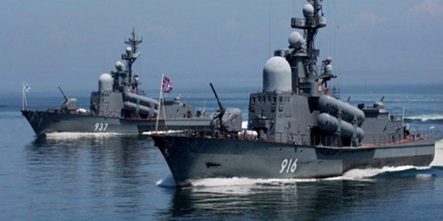 Rus donanması Kırım'da, Türk gemisine karşı alarma geçti!