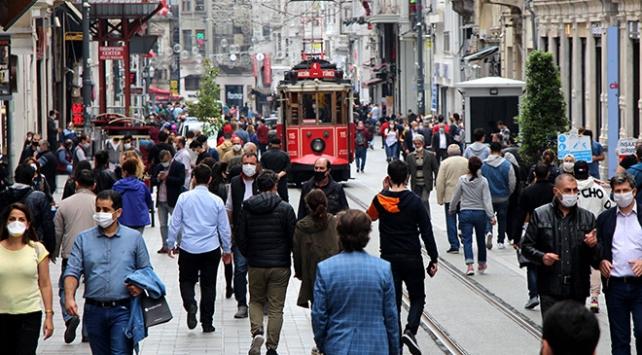 MetroPOLL: Türkiye'de halkın yarısı yurtdışında okumak ve yaşamak istiyor