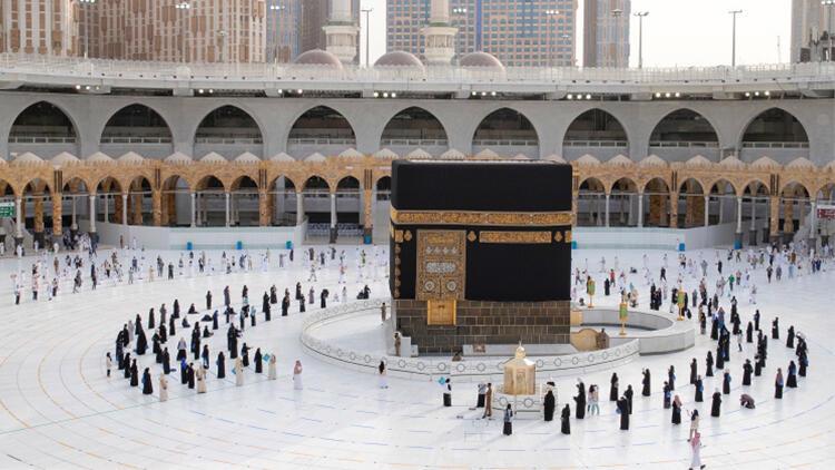 Suudi Arabistan yeni umre kararını duyurdu!