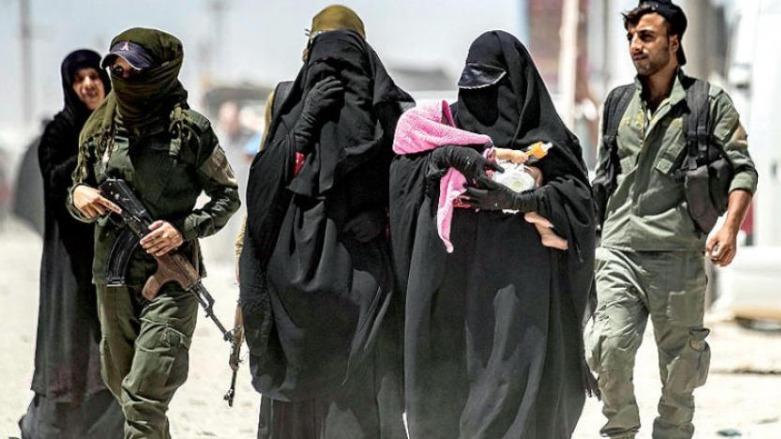DSG, tünelden kaçmaya çalışan IŞİD'li kadınları gözaltına aldı!