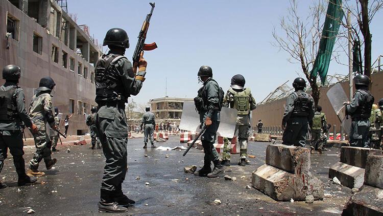 Afganistan'da ordu ile Taliban arasında çatışma: 100'den fazla ölü!
