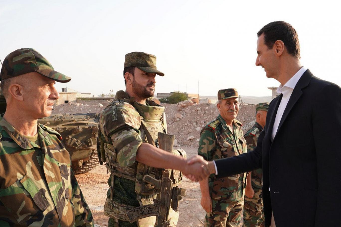 Esad, kıdemli ordu komutanını ABD ve DSG bağlantıları nedeniyle tutuklattı!