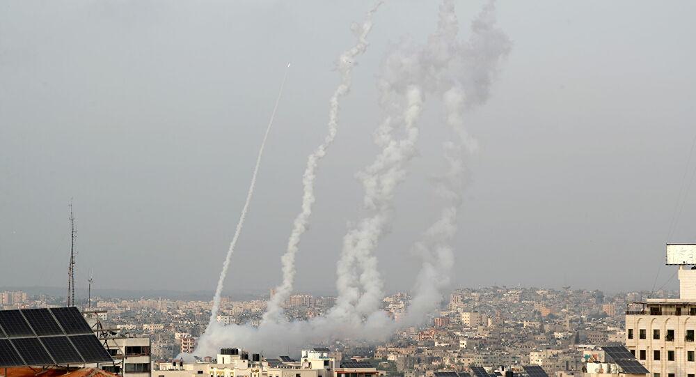 Gazze'den 200'e yakın füze atıldı, İsrail 130 hedefi bombaladı