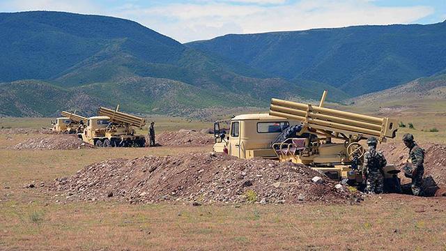 İran'dan Azerbaycan sınırında 'savaşa hazırlık' tatbikatı