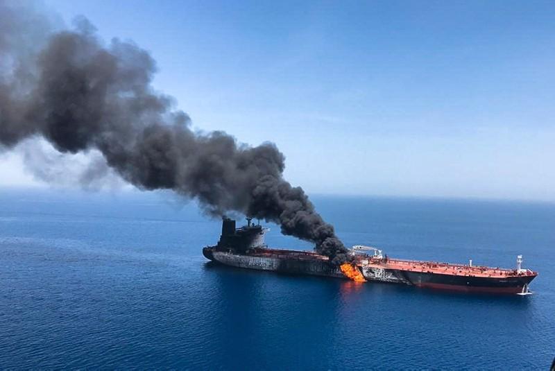 Suriye'de İran petrol tankerine saldırı!