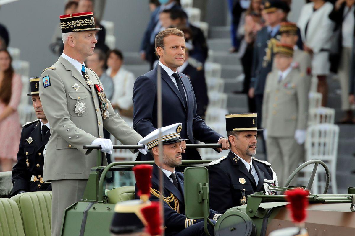 """Fransa Genelkurmay Başkanı'ndan """"iç savaş uyarısı"""" yapan askerlere çağrı!"""