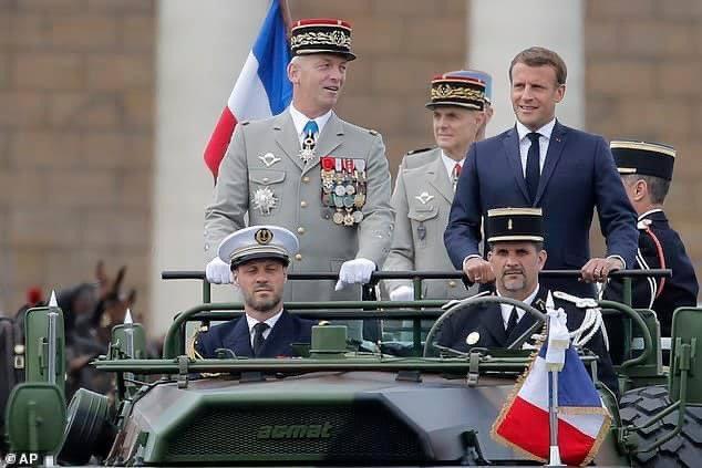 Fransız askerlerden Macron'a yeni uyarı: İç savaş geliyor!