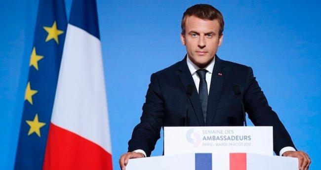 Macron'dan kendisine yapılan saldırı hakkında açıklama!