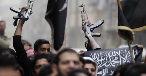Halk, sivilleri kaçıran IŞİD'lilerle çatıştı: 5 ölü!