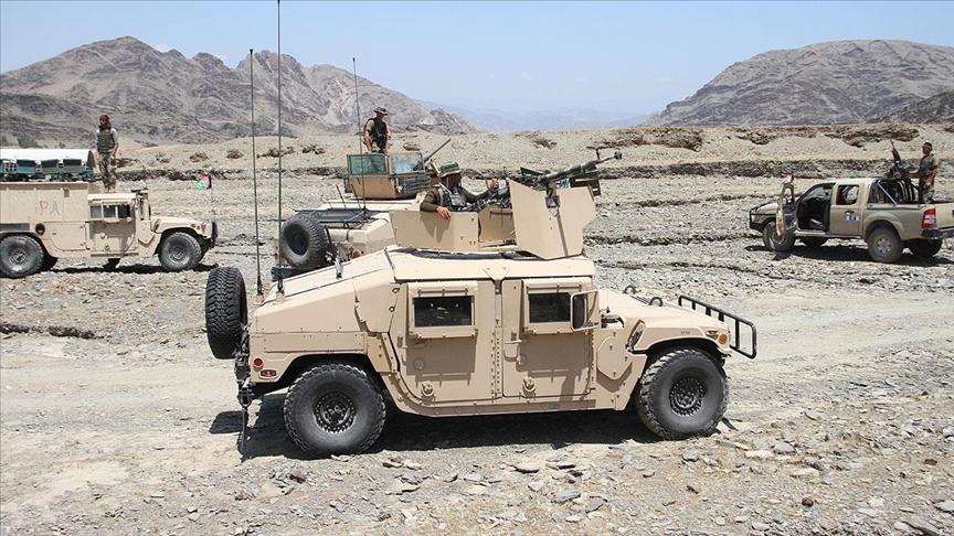 Taliban mahkumları serbest bıraktı: Afgan ordusu teslim oldu