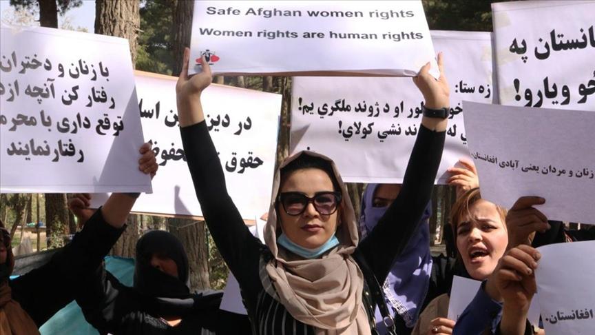 Afganistan'da eğitim ve çalışma hakları için protesto düzenlendi!