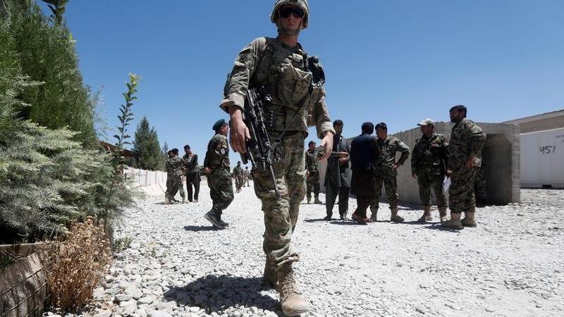 Afganistan'da Taliban endişesi artıyor: O ülke diplomatlarını çekti!