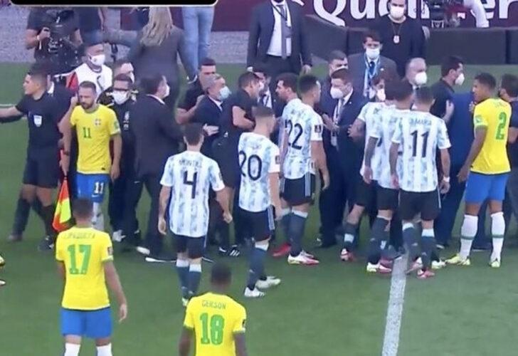 Arjantin, Brezilya ile yaptığı maçta sahadan çekildi!