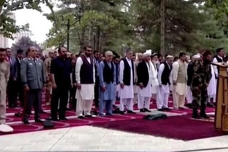 VİDEO | Afganistan'da Kurban Bayram namazı esnasında roketli saldırı
