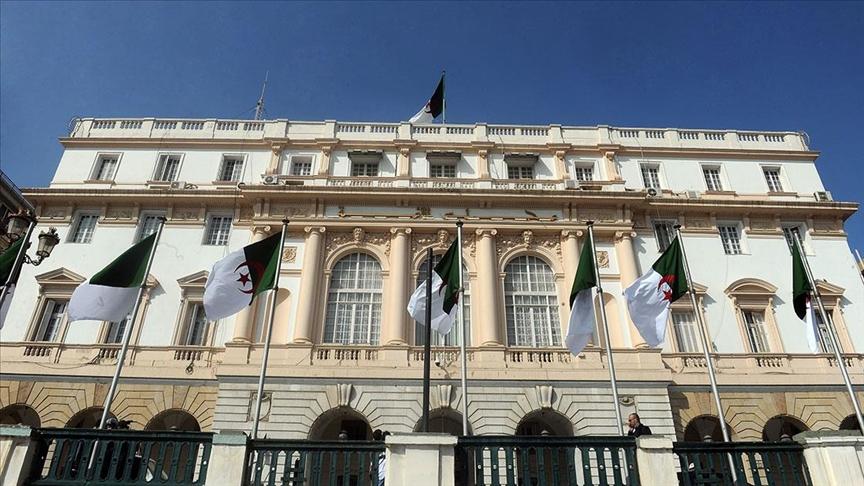 Cezayir'den Fransız sömürge dönemini suç sayan yasa tasarısı!