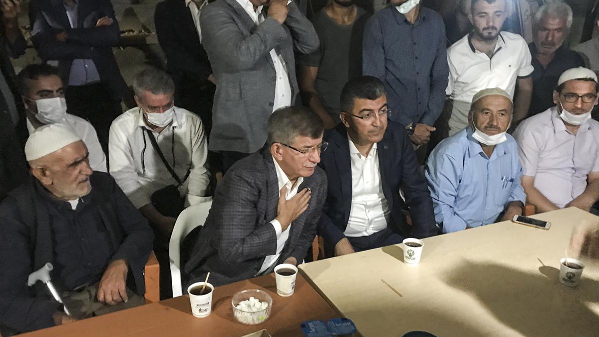 Davutoğlu ve Yapıcıoğlu Konya'da katledilen Kürt ailenin taziyesine katıldı!