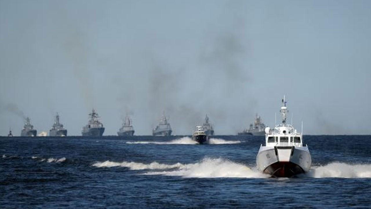Karadeniz'de sert gerginlik: Rusya, İngiliz gemisine ateş açtı!