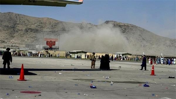 ABD basını: Kabil'de 3 ayrı patlama, 10 ABD askeri öldü!