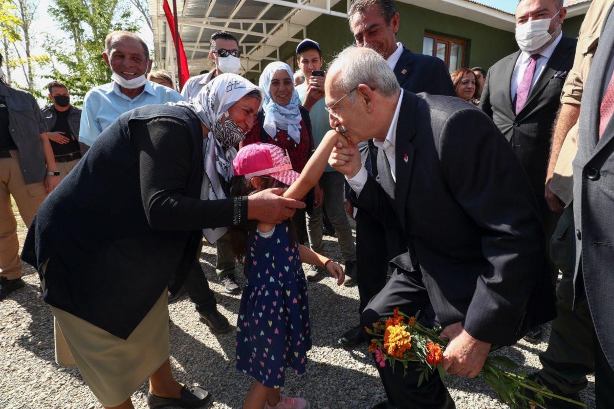 Kılıçdaroğlu Van'da konuştu: Erdoğan için kefen giyenler gitsinler Afganistan'a!