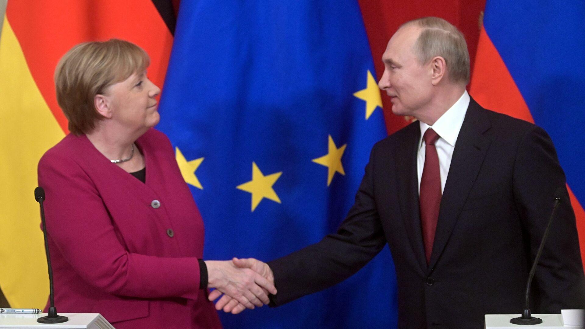 Merkel, Putin'le 'o konuyu' görüşmek üzere Moskova'ya gidiyor!