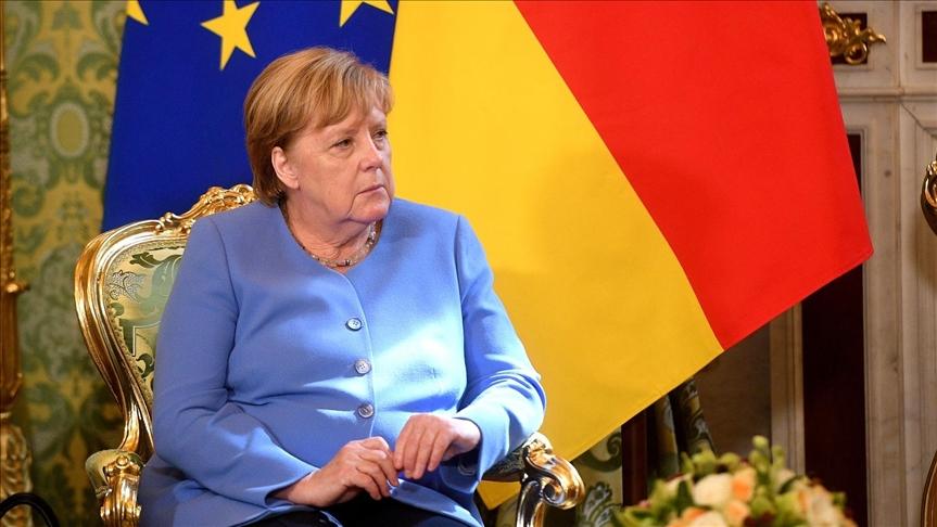Merkel: Taliban ile müzakere etmeliyiz!