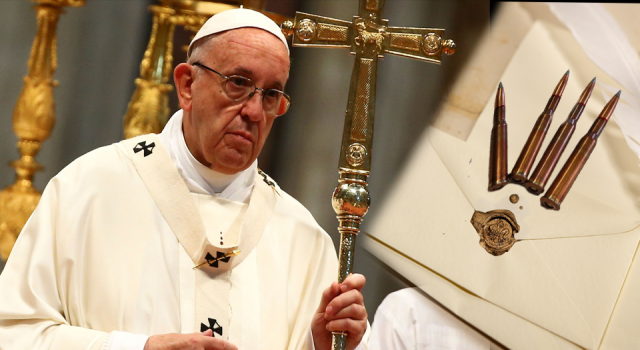 Papa'ya 3 kurşunlu zarf gönderildi!